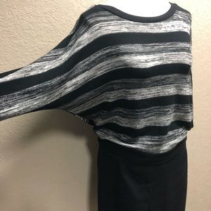Isabel batwing 3/4sleeve black white sweater M